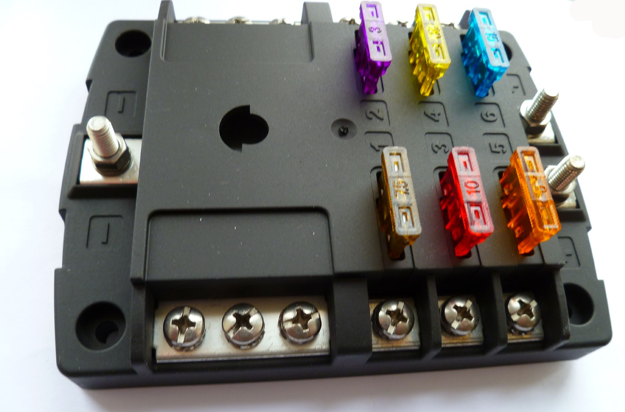 6 way heavy duty blade type fusebox with twin input positive busbar 1 x negative busbar. alt fh5025b [2] 5222 p 6 way heavy duty blade type fusebox with twin input positive busbar fuse box at creativeand.co